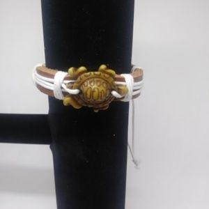 Jewelry - New unisex Leather Turtle Bracelet